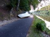 Kassel - Boots-Unfall bei Fulda - Sportboot landet auf Radweg zur Steinwand