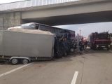 Frankfurt (Oder) - Schwerer Unfall zw. LKW und Transporter auf A 12