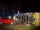 Hamburg - Frankfurt (Oder) ++ Birkenwerder ++ LKW-Unfall auf A 10 ++ PKW fährt in umgekippten Lastwagen ++ Vollsperrung